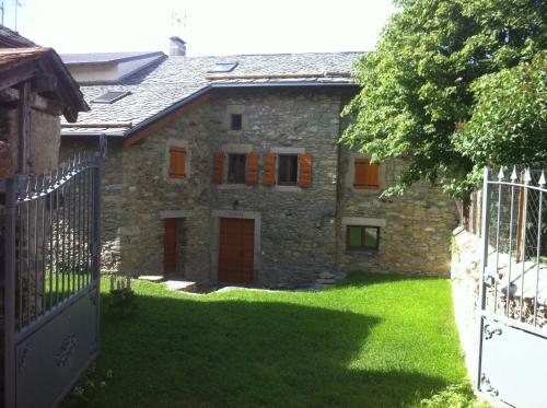 Maison De Caractère En Pierre : Guest accommodation near Fontpédrouse