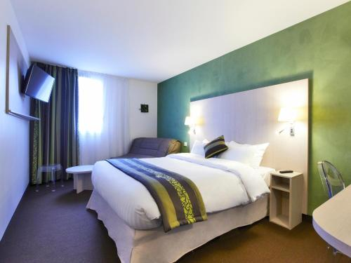 Kyriad Paris Nord - Gonesse - Parc des Expositions : Hotel near Le Thillay