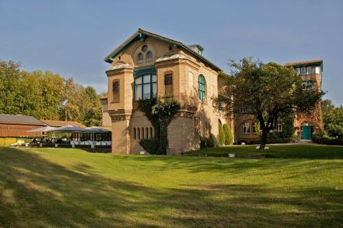 Le Kempferhof Golf et Château-Hôtel : Hotel near Erstein