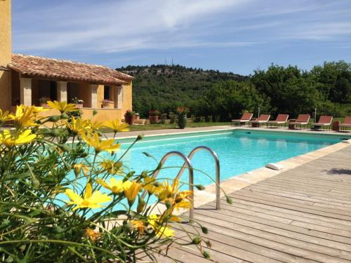La Grande Bouisse : Guest accommodation near Vitrolles-en-Lubéron