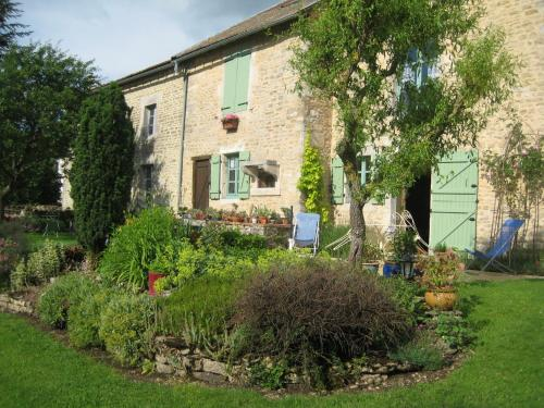 Les Ombelles : Bed and Breakfast near Brainville-sur-Meuse