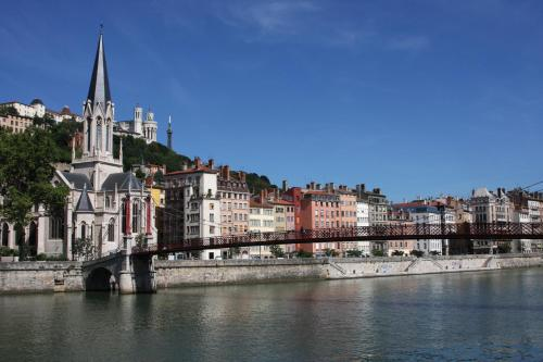 Appart'City Lyon Vaise St Cyr : Guest accommodation near Champagne-au-Mont-d'Or