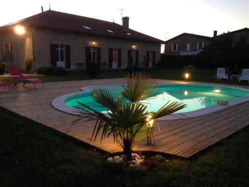 Domaine de Blaignac : Bed and Breakfast near Flaujagues