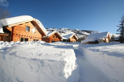 Les Chalets Du Queyras : Guest accommodation near Saint-Véran