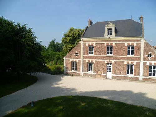 Les 3 Tilleuls : Bed and Breakfast near Vrély
