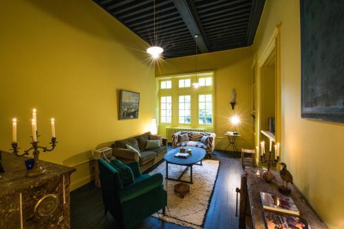 Une Nuit Au Château : Guest accommodation near Brindas