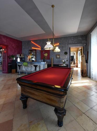 Château Du Tasta : Bed and Breakfast near Madirac