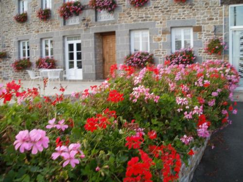 Chambres D'hotes Le Grand Gain : Bed and Breakfast near Pleudihen-sur-Rance