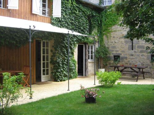 Ancien Relais De Poste : Guest accommodation near Pazayac