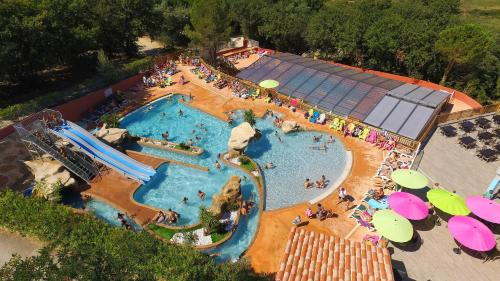 Camping des Alberes : Guest accommodation near Le Perthus