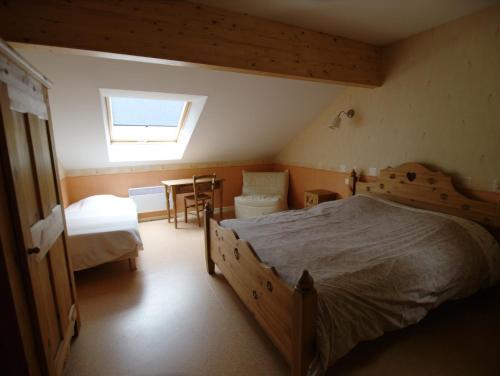 Auberge De La Charriole : Guest accommodation near La Petite-Fosse