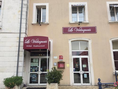 Logis Le Vedaquais : Hotel near Montabon