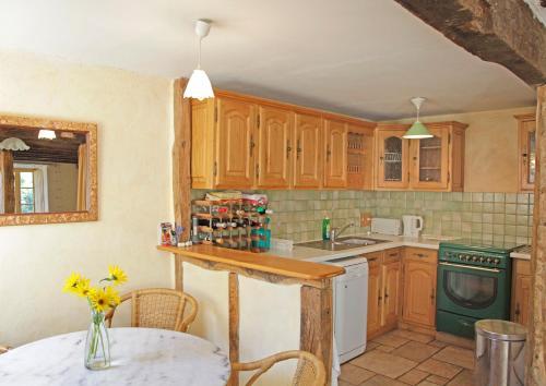 Red Shutter House : Guest accommodation near Sieuras
