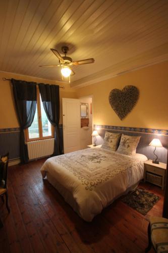 La Maison du Bonheur : Bed and Breakfast near Salagnac