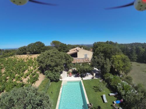 Chambres D'Hôtes Le Mas des Vignes Dions : Guest accommodation near Bourdic