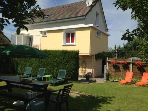 Holiday home Crespin : Guest accommodation near Le Faulq
