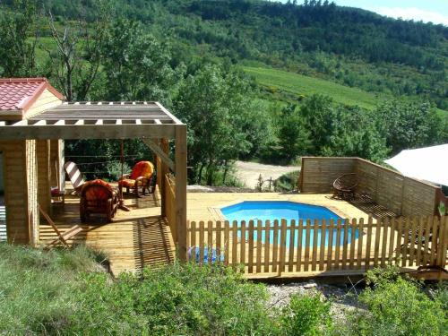 Chalet - Roquetaillade : Guest accommodation near Montazels