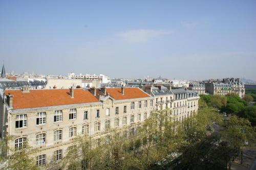 Artist Studio View Eiffel Tower : Apartment near Paris 7e Arrondissement