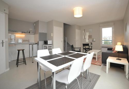 Le Petit Bouillon : Apartment near Écrosnes