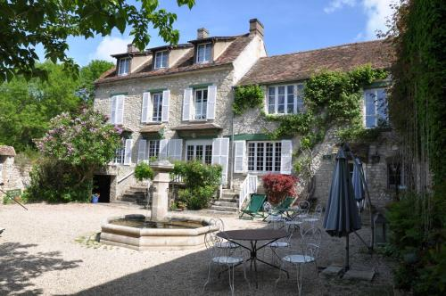 Domaine de la Goulée : Bed and Breakfast near Saint-Clair-sur-Epte