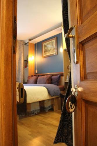 Chambres de la Grande Porte : Bed and Breakfast near Paris 10e Arrondissement