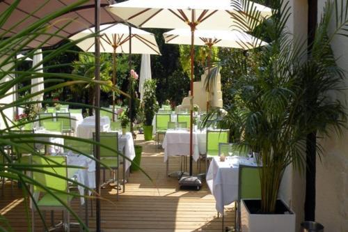 Logis Le Pont Bernet : Hotel near Bayon-sur-Gironde