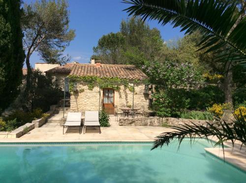 Chambre d'Hôtes de Charme Le Bartas : Guest accommodation near Parignargues