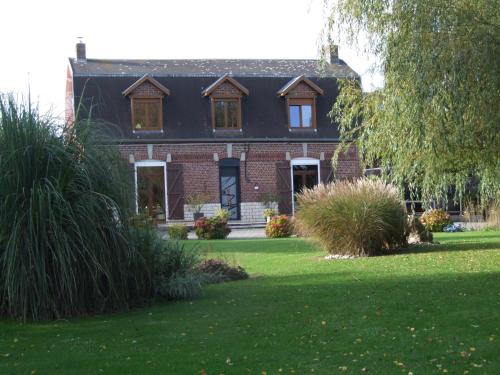 Le Clos du Clocher : Bed and Breakfast near Grévillers