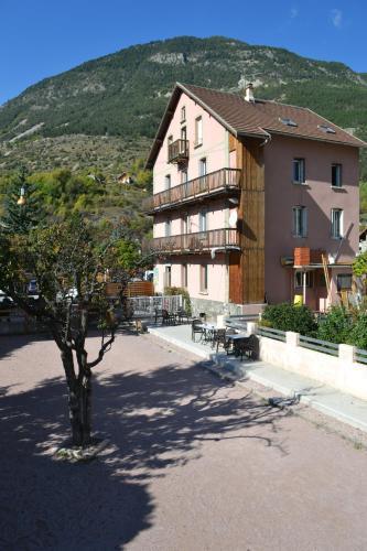 Icerock Hotel : Hotel near L'Argentière-la-Bessée