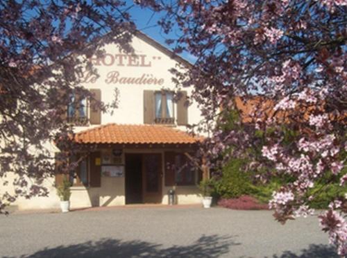 Hôtel Le Baudiere : Hotel near Moriat