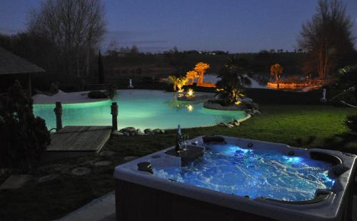 Le Lac de Crivito : Bed and Breakfast near Palleville