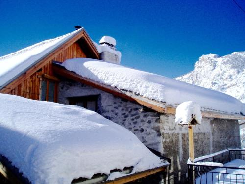 Maison de l'Auche : Guest accommodation near L'Argentière-la-Bessée