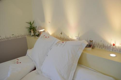 Couette Et Cafe Crème : Bed and Breakfast near Chartres