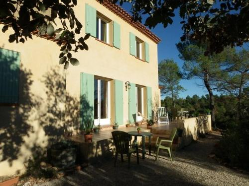 Gite De Costebelle : Guest accommodation near Fox-Amphoux