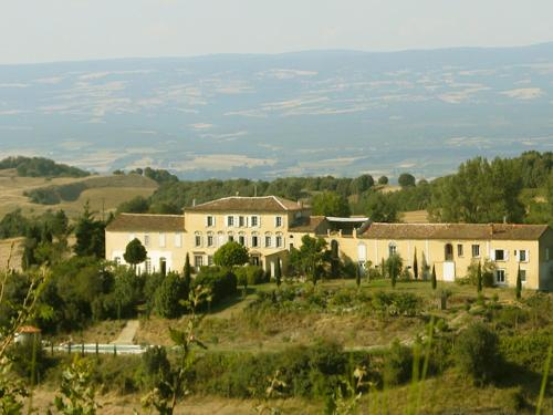 Domaine des Jasses : Guest accommodation near Malviès