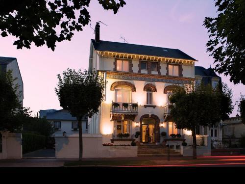 Marie Anne : Hotel near Saint-Arnoult