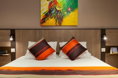 Comfort Suite Rive Gauche Lyon Centre : Guest accommodation near Lyon 7e Arrondissement