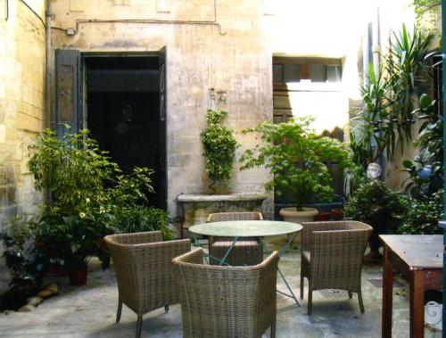 Appartement Petite Saunerie : Apartment near Avignon