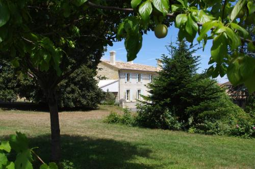 Domaine Mongiron : Guest accommodation near Saint-Quentin-de-Baron