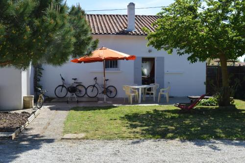 L'Acheneau : Guest accommodation near Hiers-Brouage