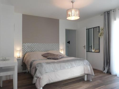 Maison Lucilda : Bed and Breakfast near Marcheprime
