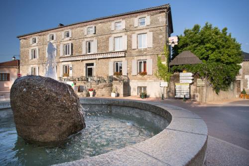 Hotel Restaurant Le Sully : Hotel near Dournazac