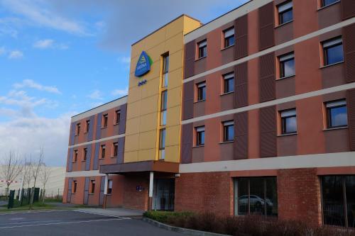 Hôtel Akena City Saint-Amand-Les-Eaux : Hotel near Saint-Amand-les-Eaux