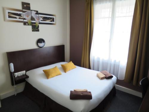 Hotel de la Paix : Hotel near Giberville