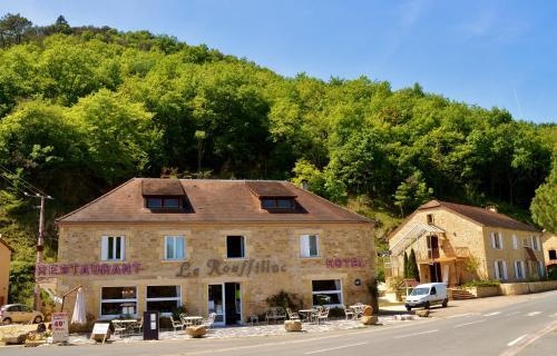 Hôtel-Restaurant Le Rouffillac : Hotel near Cazoulès