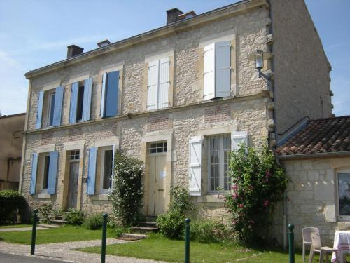 La Maison sur la Colline : Bed and Breakfast near Saint-Matré