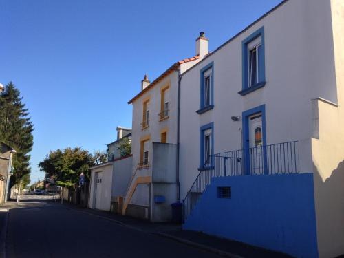 La Maison Bleue : Guest accommodation near Bouguenais
