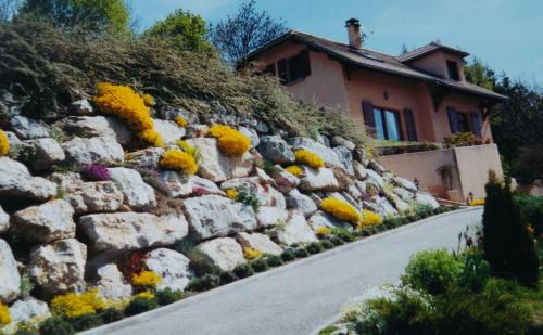 Les Roches Fleuries : Guest accommodation near Selonnet