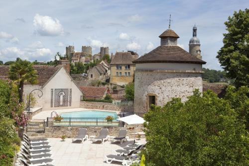 Logis Grand Hotel Montespan-Talleyrand : Hotel near Cressanges