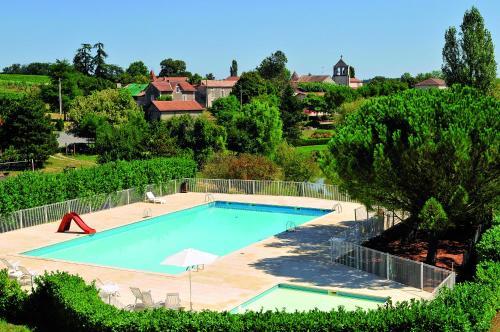 Le Domaine du Peyrichoux : Resort near Saint-Quentin-du-Dropt